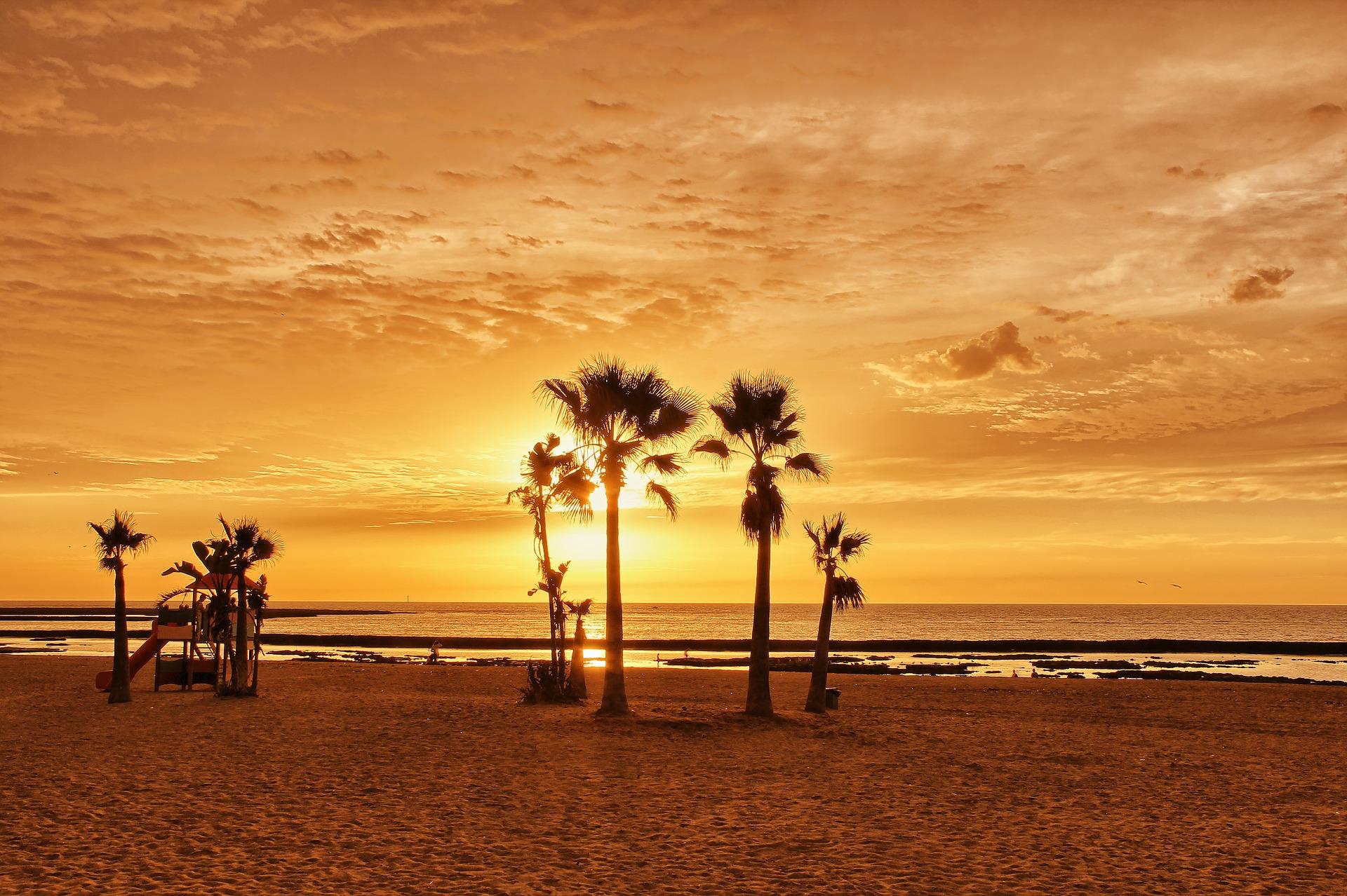 Курорт на первой линии моря в Андалусии