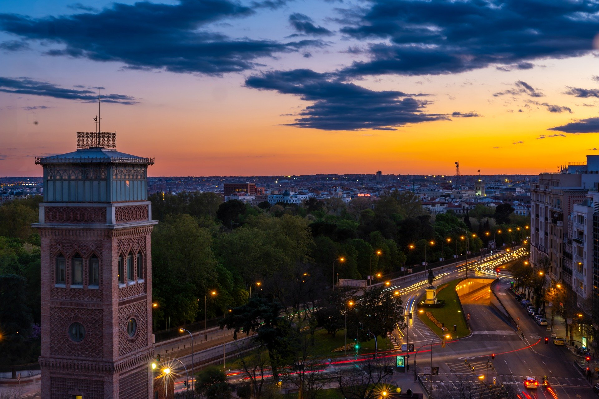 4 star hotel in the center of Madrid near city landmarks