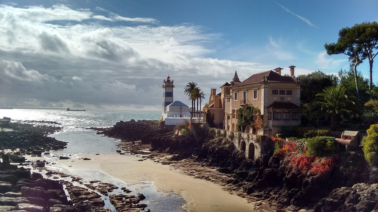 5 star boutique seafront hotel in Cascais